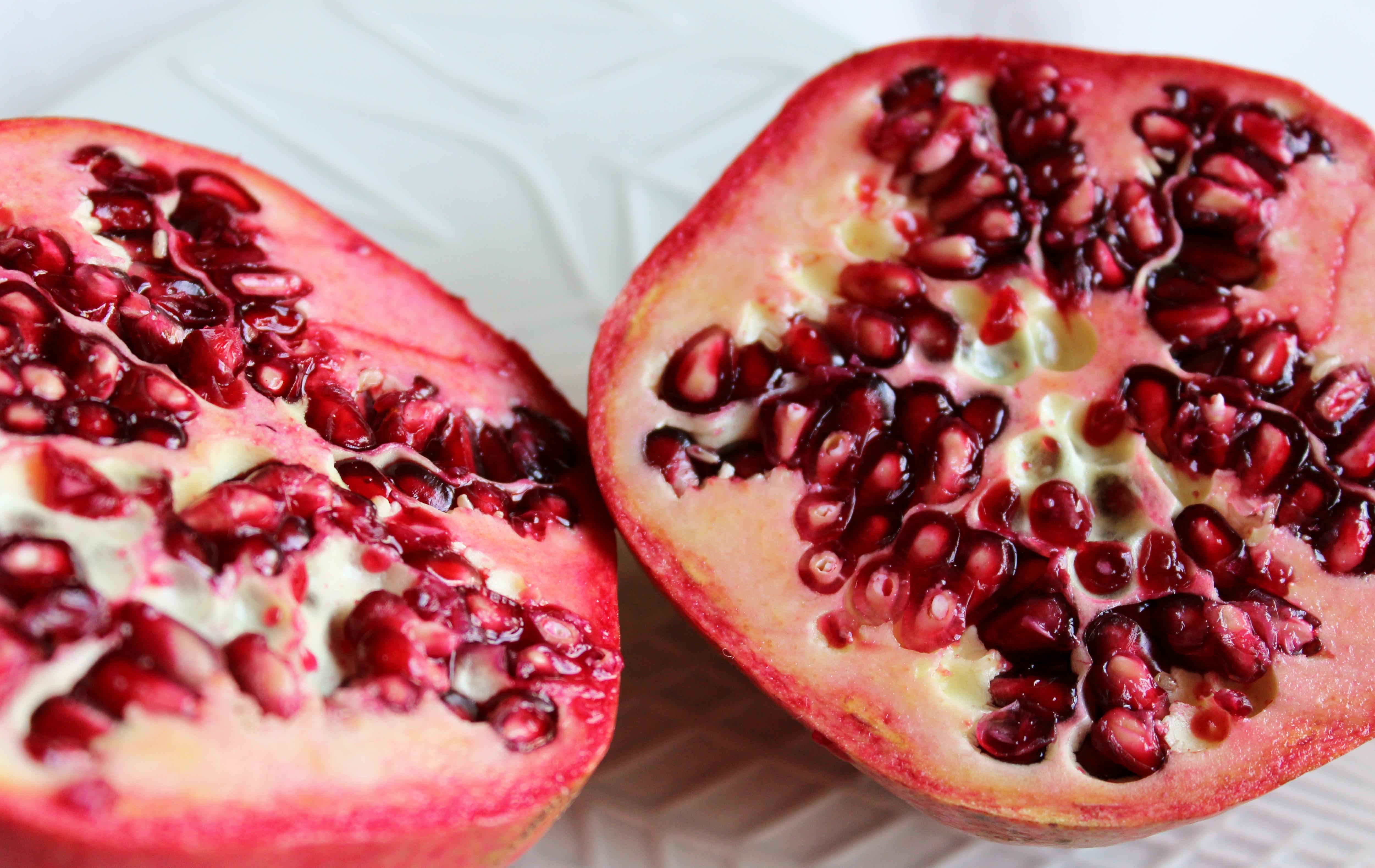 hur äta granatäpple